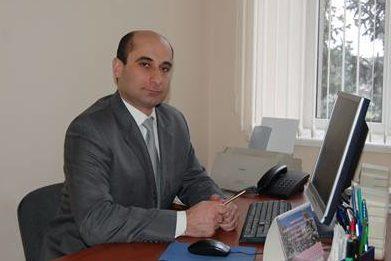 Алан Кумаритов: С 1 января тариф на услуги электросетевых компаний снизится до 30%