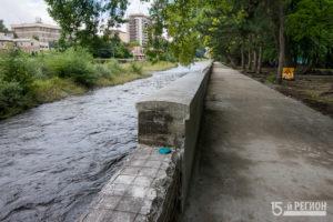 В Центральном парке имени Коста Хетагурова проводят работы по благоустройству