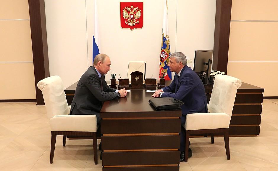 В Ново-Огарево состоялась встреча Владимира Путина с главой Северной Осетии Вячеславом Битаровым