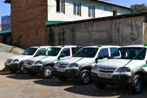 Вячеслав Битаров вручил ключи от 8 автомобилей «Chevrolet Niva» работникам лесного хозяйства