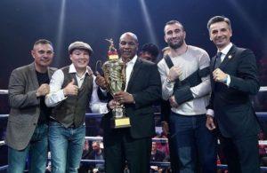 Майк Тайсон, Мурат Гассиев и Константин Цзю на турнире RCC Boxing в Челябинске