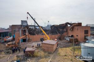 В сгоревшем цеху Электроцинка начались работы по расчистке территории для доступа специальной комиссии