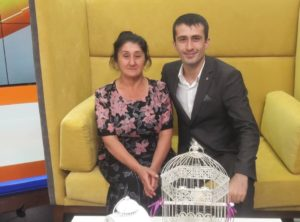 Блогер Аслан Хударов: «Пользователи любят маму намного больше, чем меня»