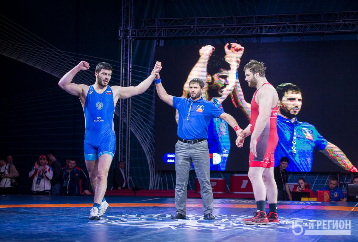 В Северной Осетии определились имена лучших борцов России среди юниоров