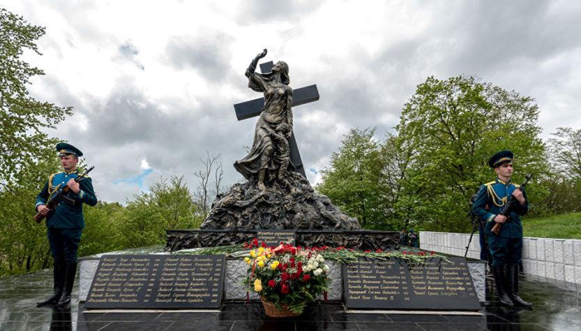 В Южной Осетии вспоминают жертв Зарской трагедии