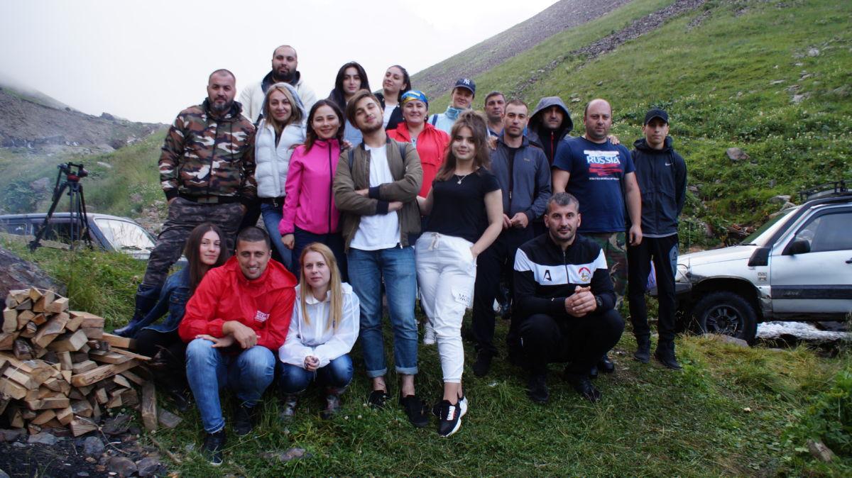 Журналисты и клуб «Iron Group» провели субботник на высокогорном источнике Хилак