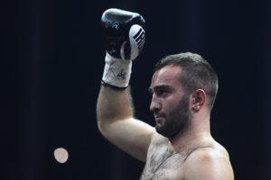 Дебютный бой Мурата Гассиева в супертяжелом весе состоится в октябре