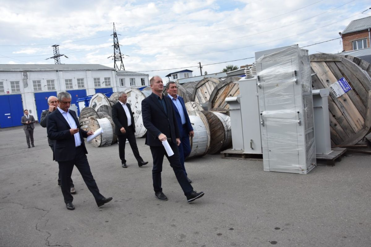 Электросетевому комплексу Владикавказа уделяется особое внимание – Виталий Иванов
