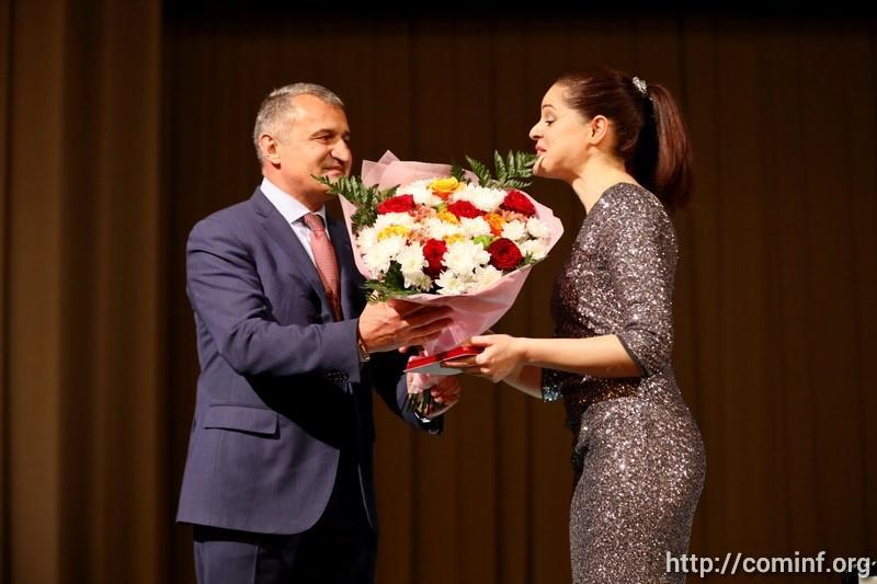 Злате Чочиевой присвоено звание заслуженной артистки Южной Осетии