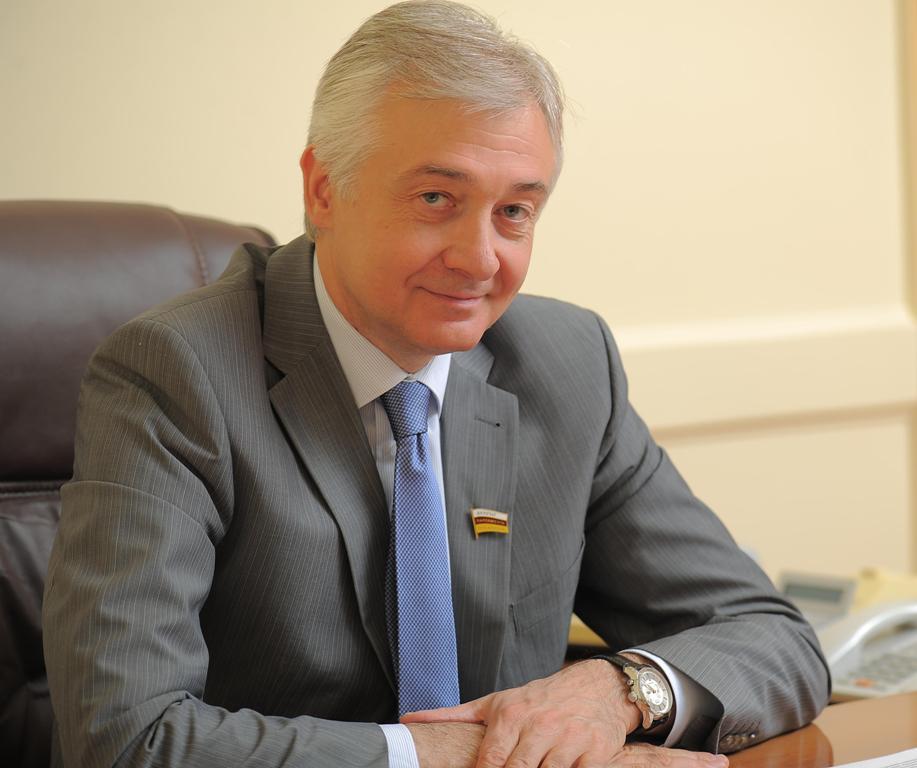 Председатель Парламента Северной Осетии Алексей Мачнев ответил на вопросы журналистов