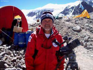 «Снежный Барс»: легендарный альпинист Казбек Хамицаев отмечает юбилей