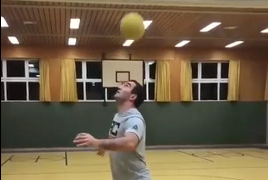 Мурат Гассиев продемонстрировал блестящие навыки владения мячом