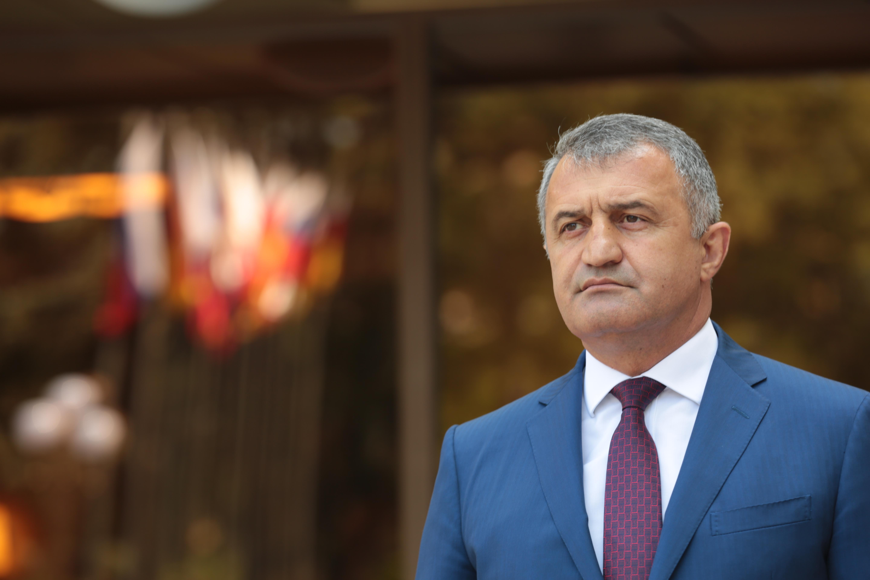 Анатолий Бибилов: «Я уверен в том, что выборы у нас пройдут спокойно»