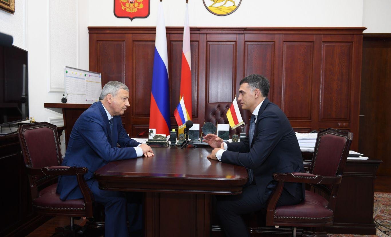Вячеслав Битаров обозначил круг приоритетных задач перед новыми министрами