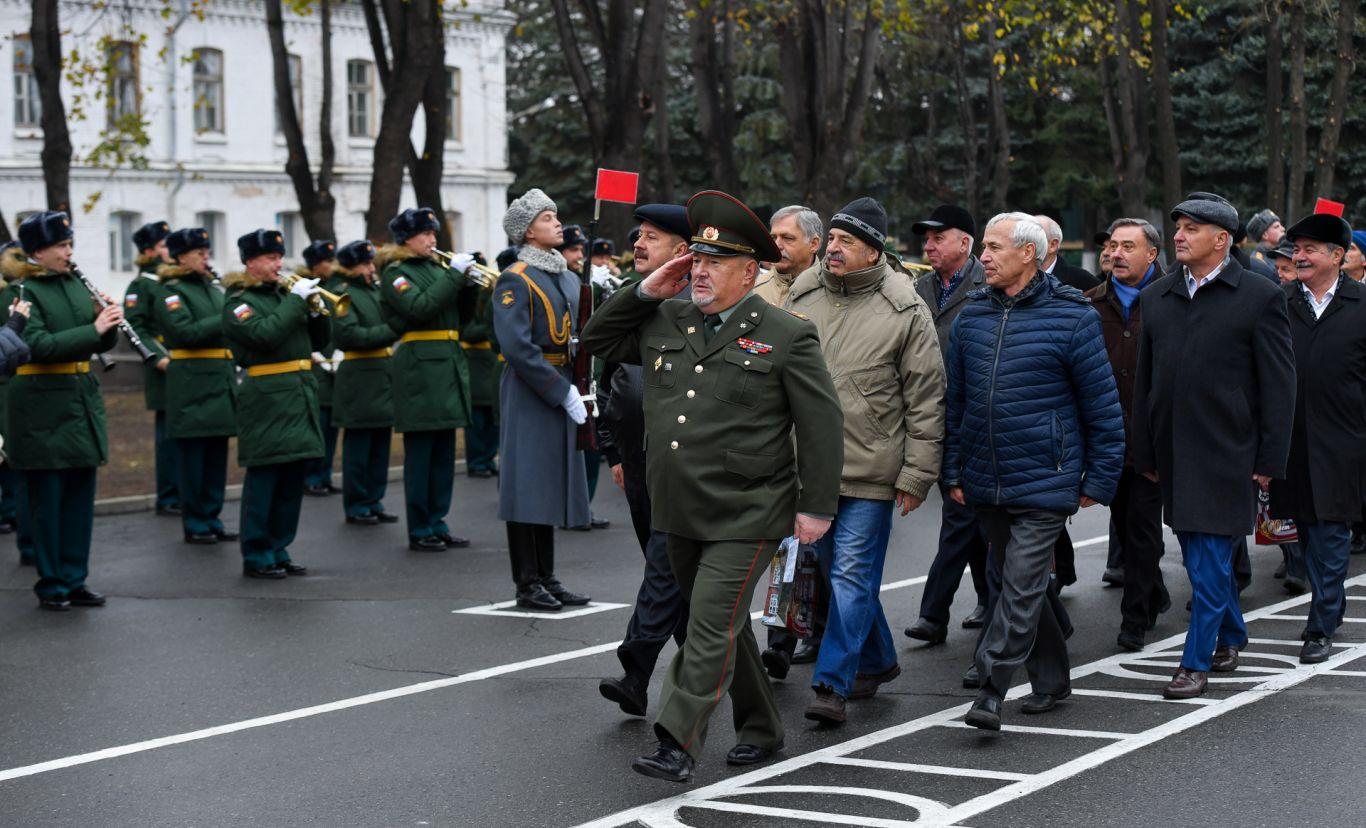 Орджоникидзевское высшее общевойсковое командное училище отметило столетие со дня образования