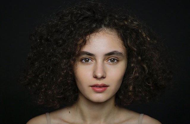 19-летняя модель из Осетии приняла участие во французском художественном проекте
