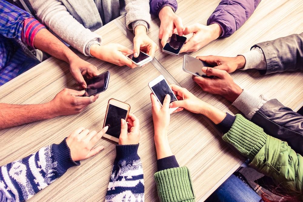 отрицательные картинки с мобильными сих