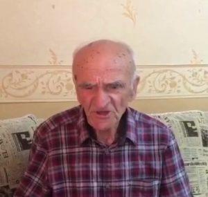 Поет ветеран ВОВ Хушин Дедегкаев…