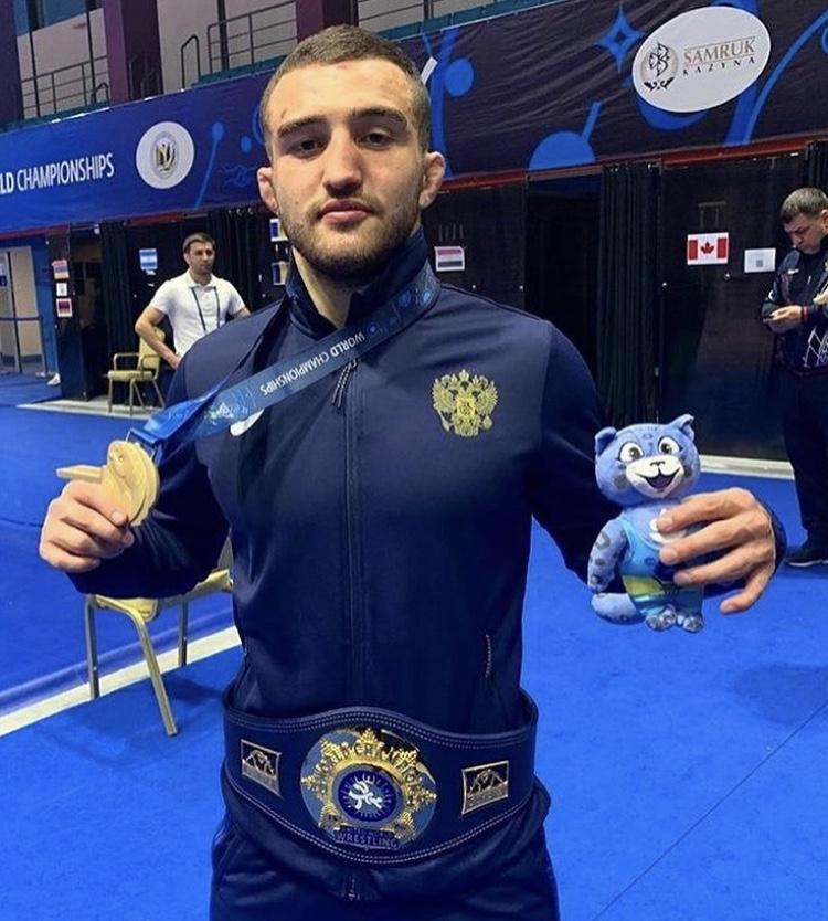 Давид Баев завоевал золотую медаль на чемпионате мира по вольной борьбе