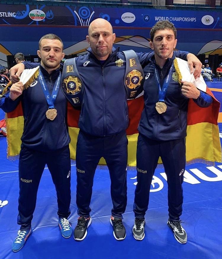 Заурбек Сидаков стал двукратным чемпионом мира по вольной борьбе
