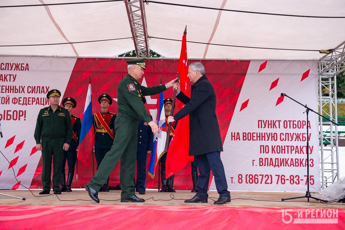 Историческая копия Знамени Победы передана в Национальный музей республики