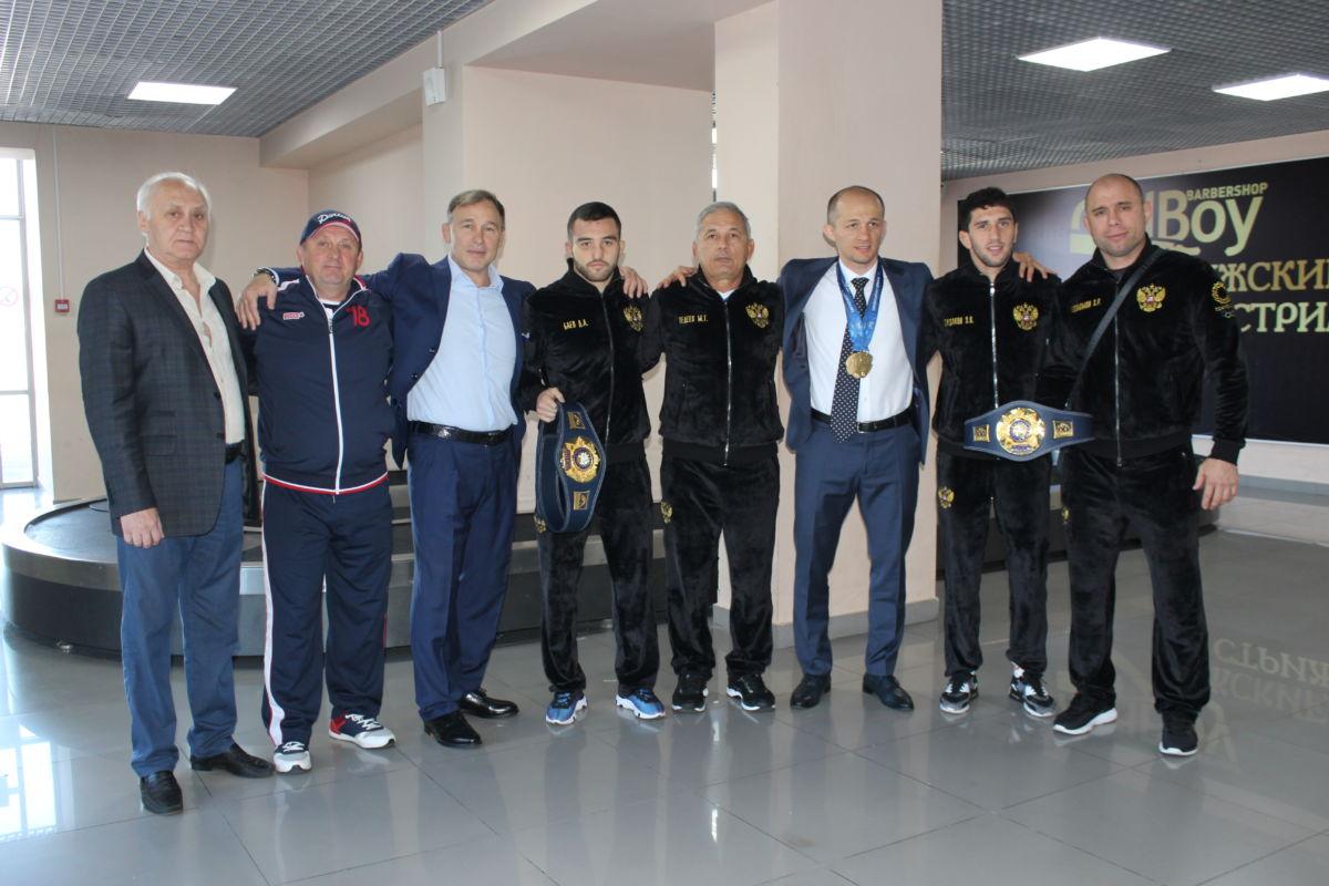 Чемпионы мира Заурбек Сидаков и Давид Баев вернулись домой
