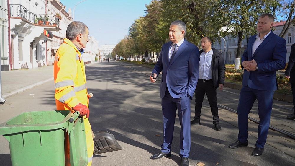 Вячеслав Битаров и Тамерлан Фарниев проинспектировали центр Владикавказа