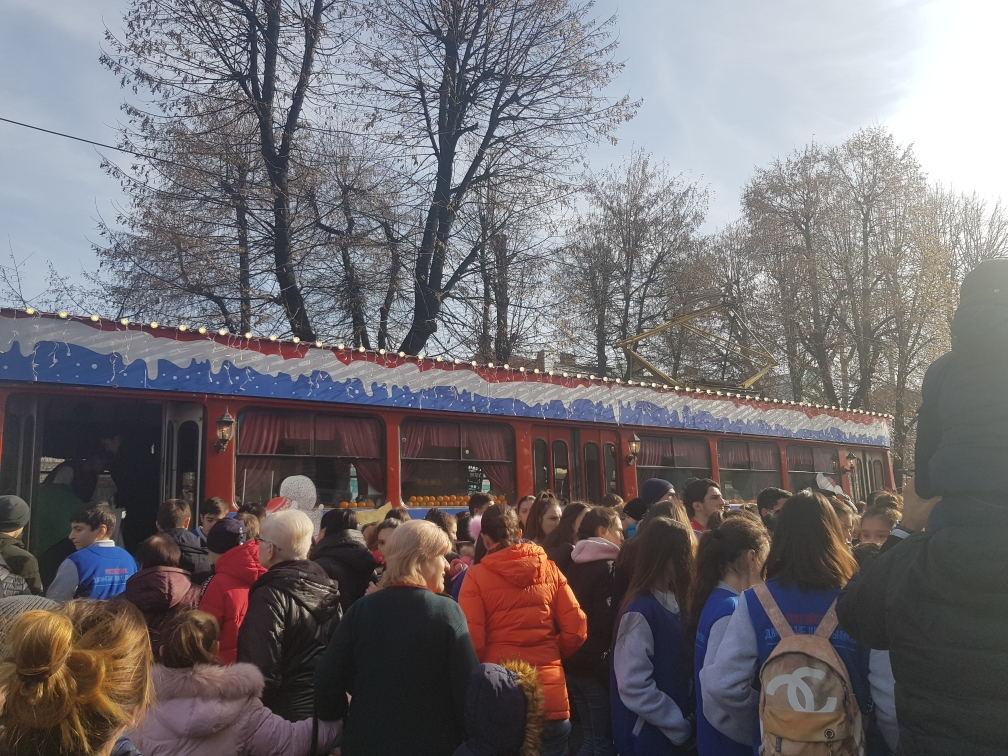 Во Владикавказе начались массовые новогодние гуляния