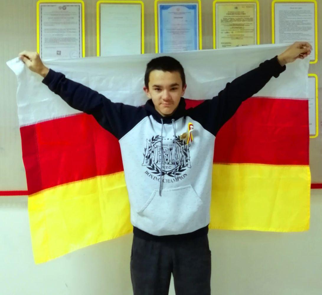 На Чукотке живет мальчик по имени Алан, мечтающий побывать в Осетии
