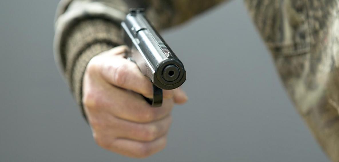 Пьяный житель Владикавказа открыл стрельбу по проезжающему автомобилю