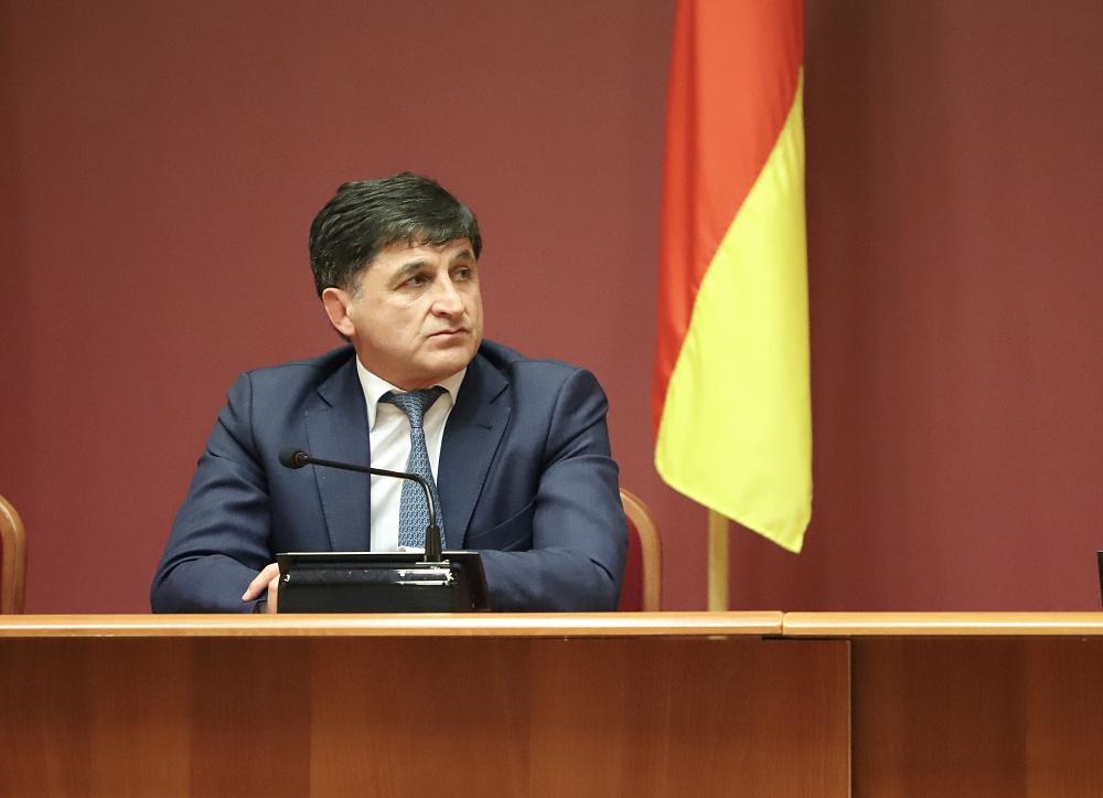 Тамерлан Фарниев провел совещание с представителями ЖКХ