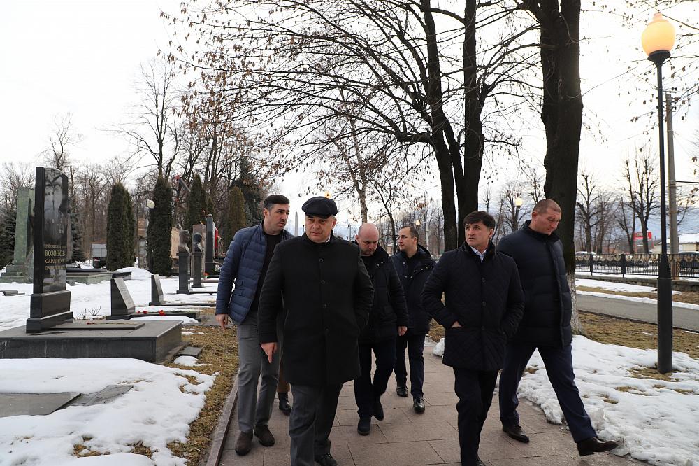 Тамерлан Фарниев проинспектировал состояние памятников боевой славы Владикавказа