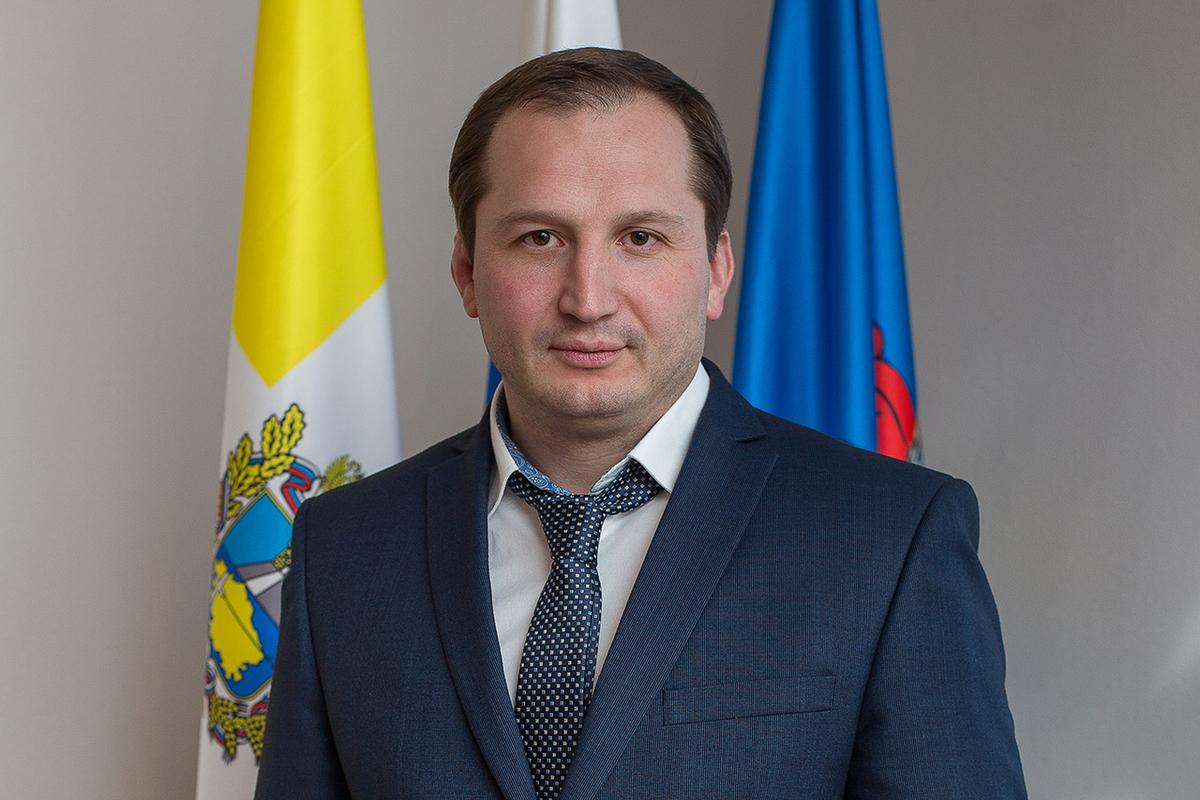 Чиновничий беспредел: СК возбудил уголовные дела в отношении уроженца Владикавказа