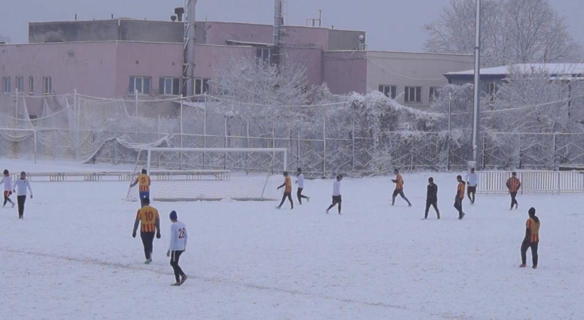 Во Владикавказе прошел традиционный турнир по футболу памяти Леонида Саблина