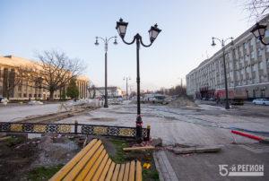 Во Владикавказе на пл.Свободы ведутся активные работы по укладке гранитной плитки