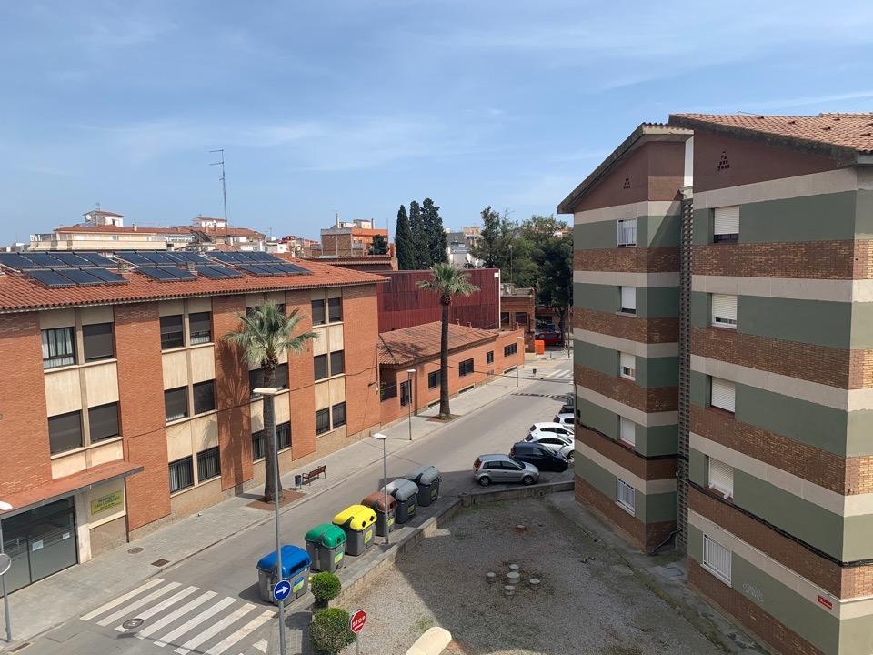 Жители Испании верят в коронавирус и активно помогают властям – Георгий Малиев