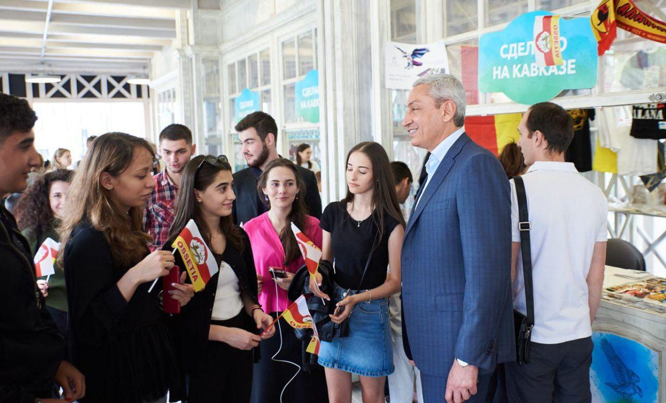 Поздравление полпреда Бориса Джанаева с Днем молодежи