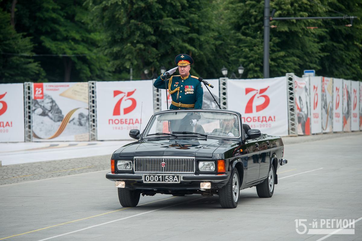 Праздник со слезами на глазах: во Владикавказе прошел парад Победы