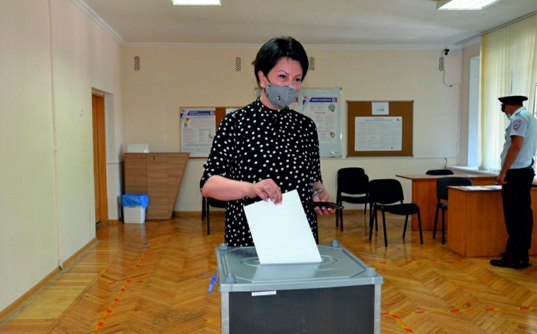 Поправки в Конституцию РФ имеют серьезную социальную направленность – Лариса Ревазова