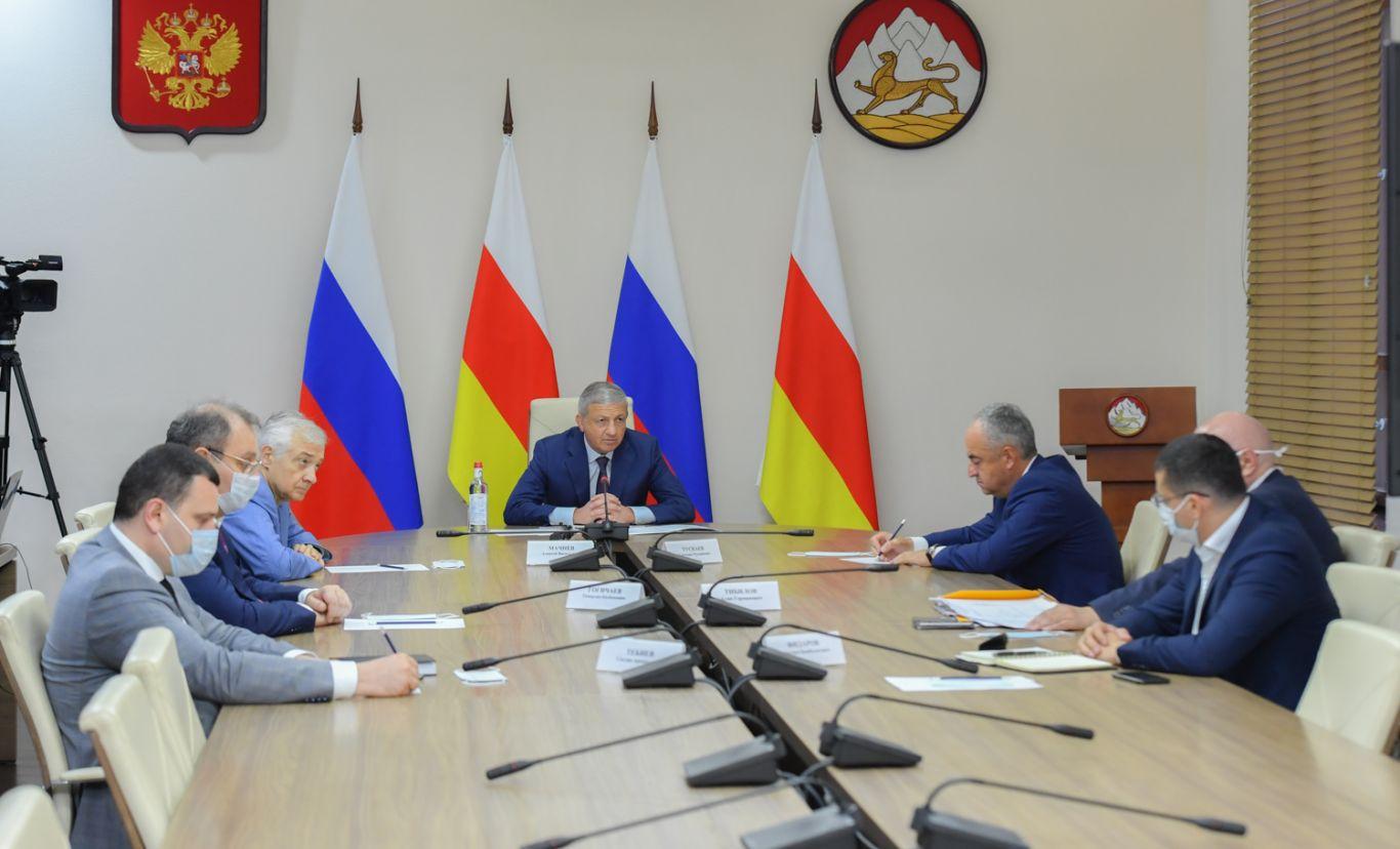 Глава Северной Осетии Вячеслав Битаров провел заседание оперштаба по противодействию коронавирусу