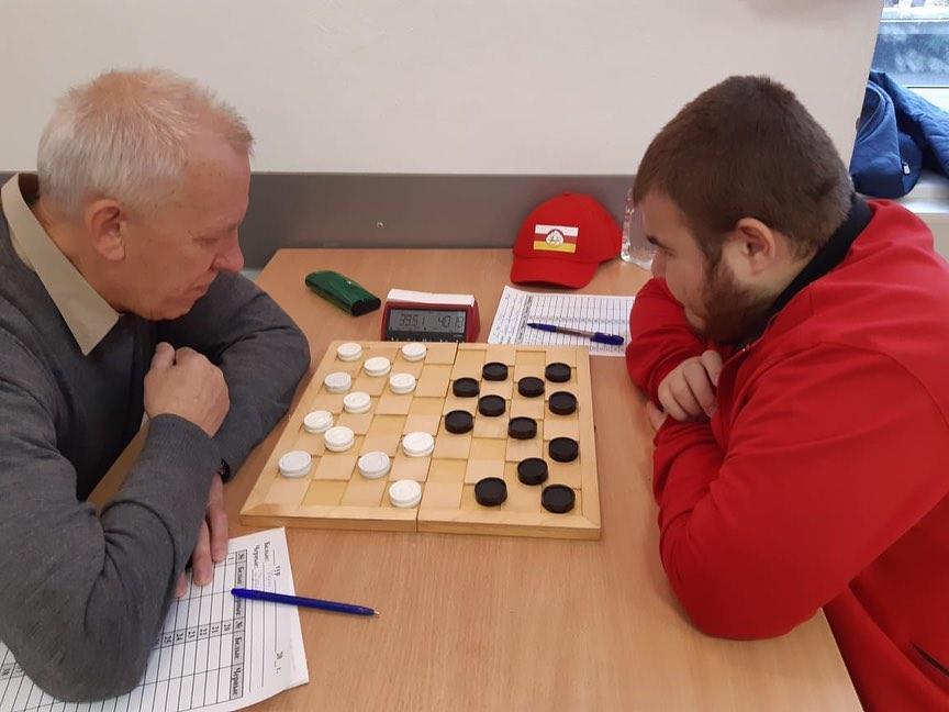 Руслан Дряев стал призером чемпионата страны по русским шашкам