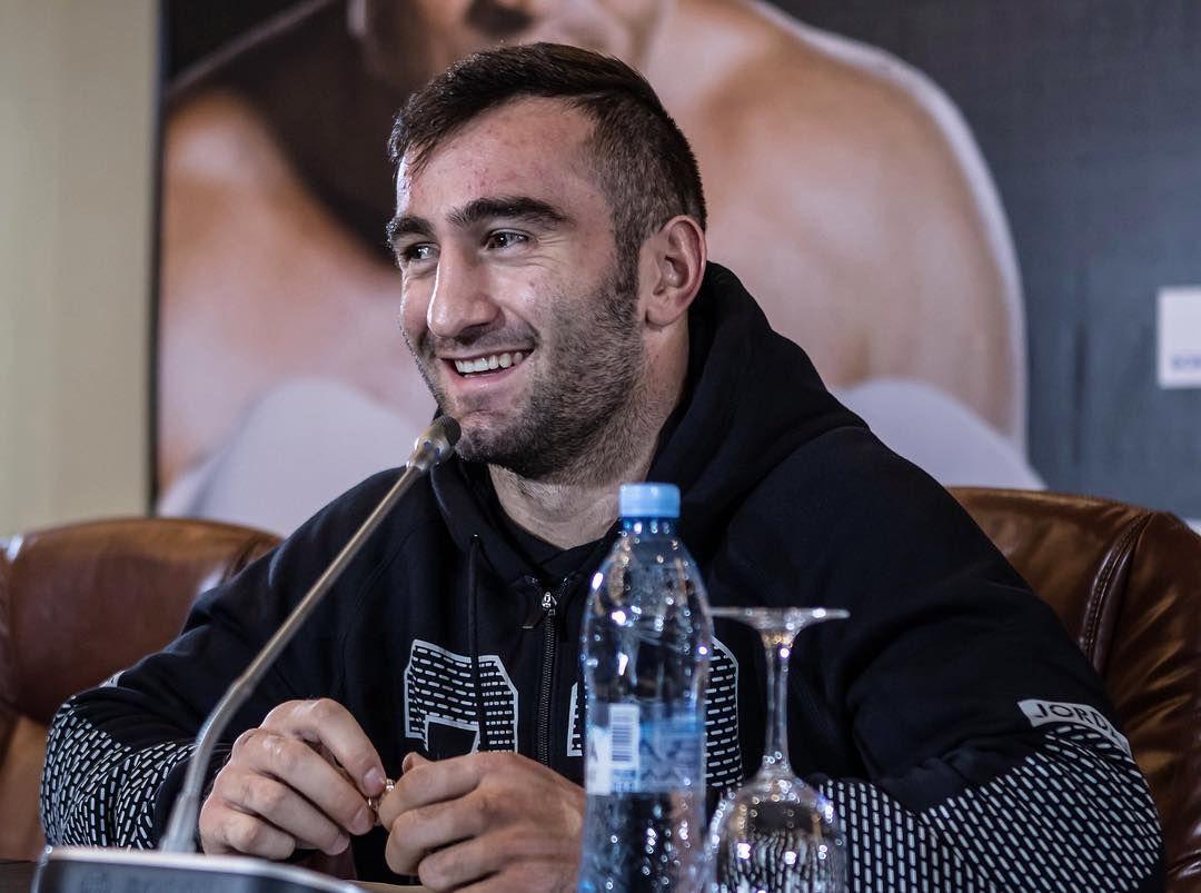 РЕН ТВ в прямом эфире покажет бой Мурата Гассиева