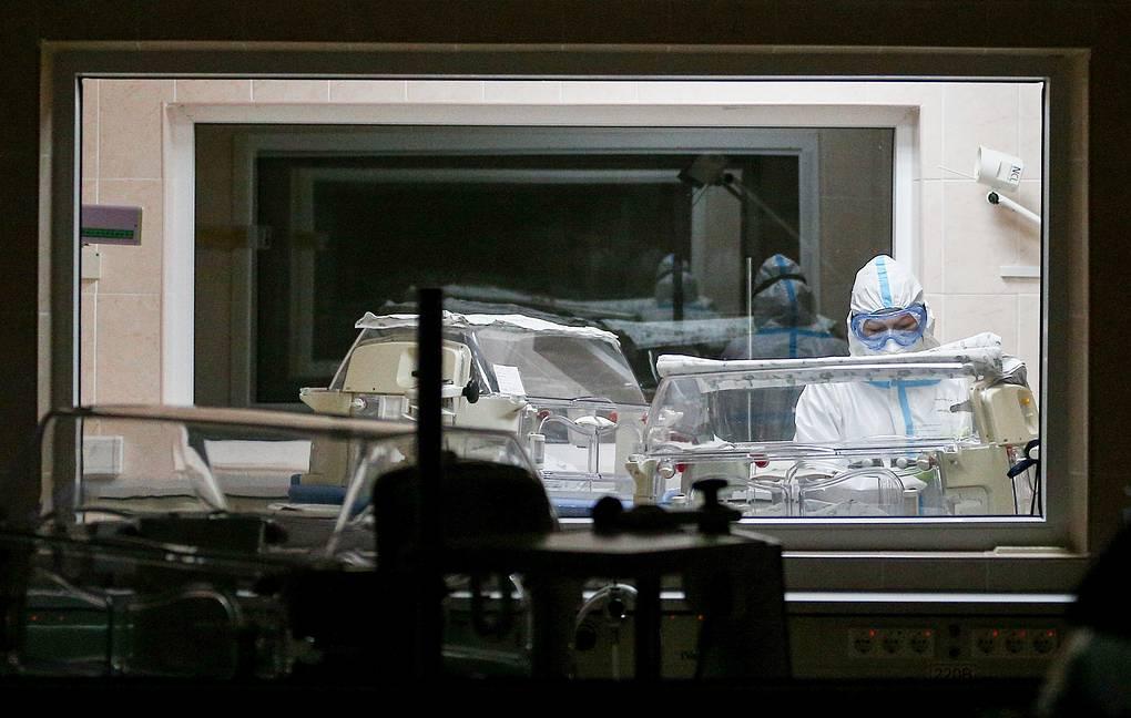 Рост числа заразившихся коронавирусом в России трижды обновил максимум на этой недели