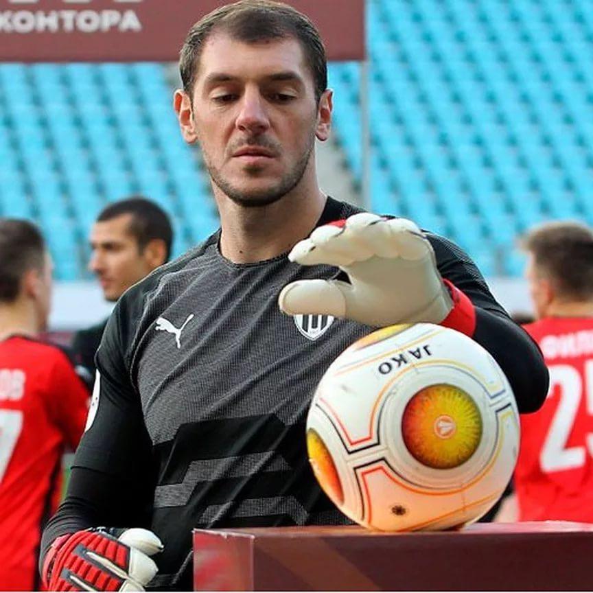 Вратарь Дмитрий Хомич забил решающий 11-метровый и отбил два пенальти в игре на Кубок России