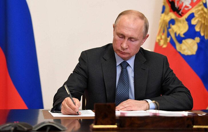 Путин подписал указ о создании Фонда защиты детей