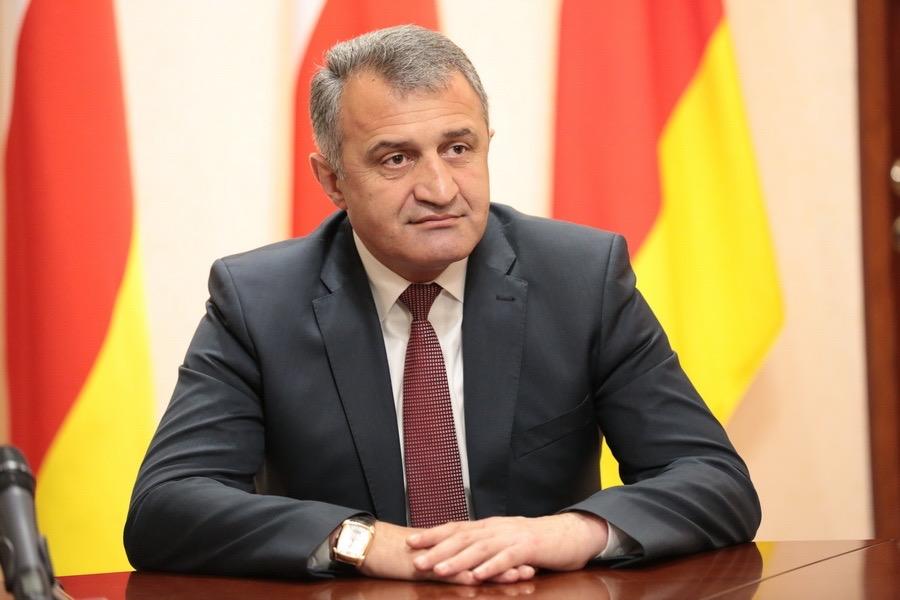 Президент Южной Осетии заболел коронавирусом