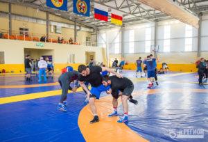 Сборная республики по вольной борьбе готовится к чемпионату России