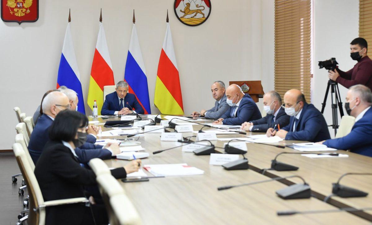Вячеслав Битаров потребовал обеспечить соблюдение платежной дисциплины при потреблении энергоресурсов