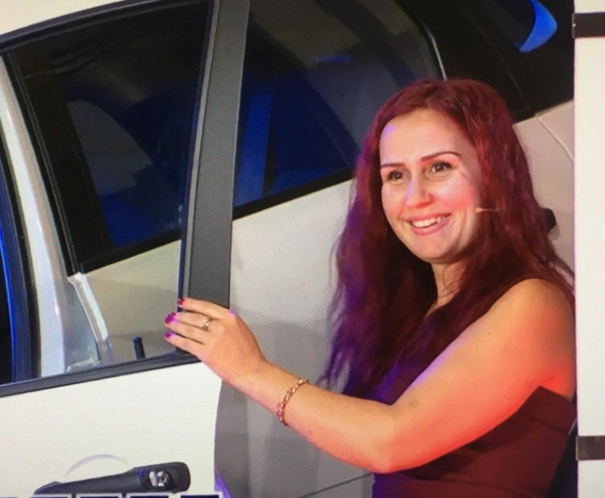 Жительница Владикавказа выиграла автомобиль на шоу «Поле чудес»