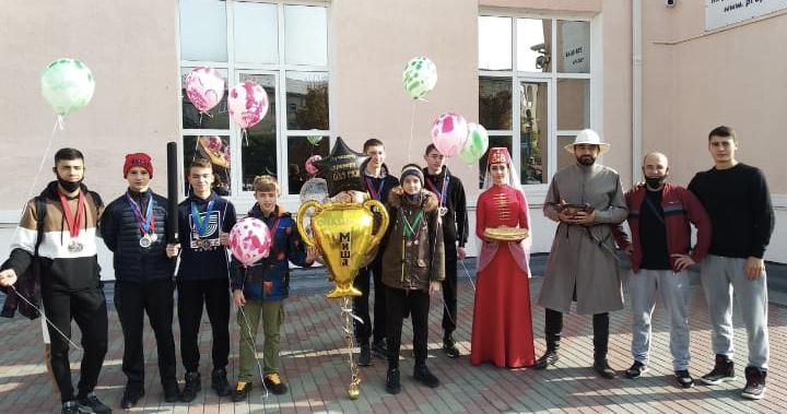 Сборная команда Северной Осетии вошла в пятерку лучших на турнире по мечевому бою в Москве
